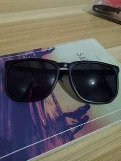 Eyeknowright Sunnies Black Sunglasses