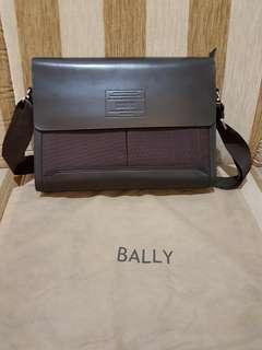 BALLY Men's Sling Bag Leather