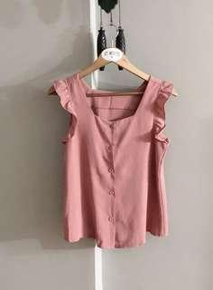 $10 SALE // Vintage thrift ruffle TOP in pink