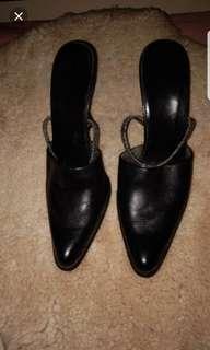 Sandal Heels ,kulit warna hitam