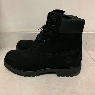 Timberland classic 6 inches 經典全黑靴