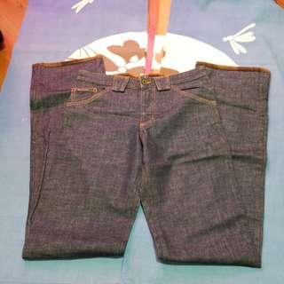 D AND G MADE IN ITALY ACYUAL WAIST 31