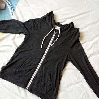 black thin hooded jacket