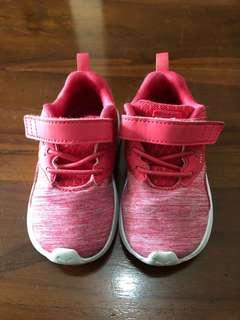 Sport shoes Puma for baby girl