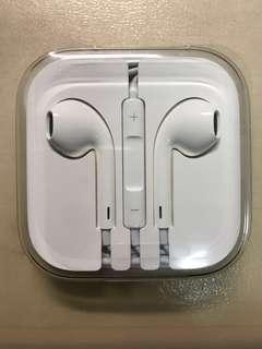 🚚 Apple Earpods with 3.5mm connector