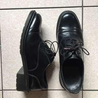 Dr.martens 英國品牌馬汀大夫 黑色真皮牛津鞋