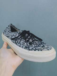 77a7ad7a9dae Vans AUTHENTIC Lo Pro Leopard Grey Black