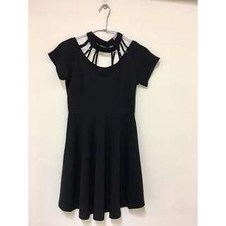 黑色繞頸側拉鍊舞會洋裝