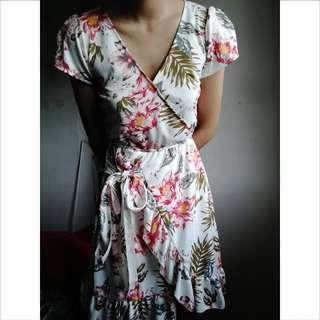 Floral V-neck Summer Dress S