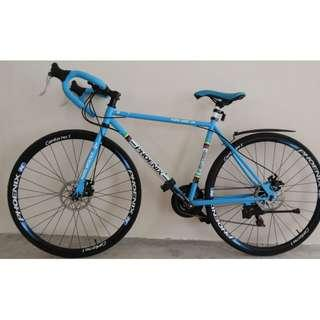 road bike bicycle Excellent like new condition with Shimano gears