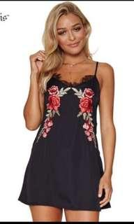 🚚 Embroidery Rose Satin Black Lace Dress