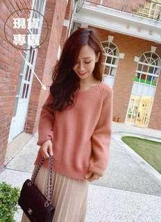 轉賣。[i_love-holic_a ]乾燥玫瑰粉V領毛衣