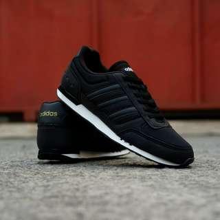 Adidas neo city racer (BNWB)
