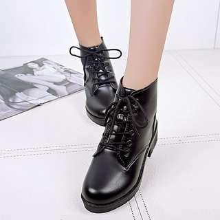 Ready stock Korean Style Chic Glossy Black Boots 👢 #cnydecor