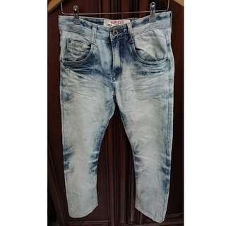 🚚 韓版 Pomelo 淺色刷白牛仔褲 Slim fit 男W28 褲長平量98cm