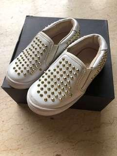 AKID Studded shoes