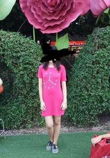 Fitted clock dress pink