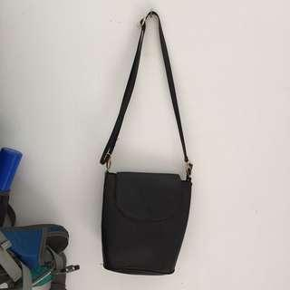 Mayonette Sling Bag