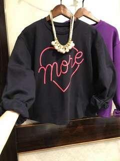 正韓 紫色愛心字母上衣 內刷毛