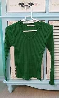 🚚 二手近全新chaber巧帛綠色針織上衣