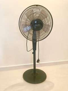 AKIRA Standing Fan With Timer