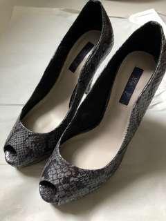(Preloved) Peeptoe platform heels