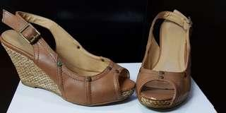 Novo tan wedges perfect for summer