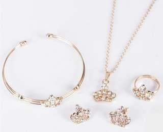 🚚 [FREE DOORSTEP DELIVERY]Accessory set- rings+necklace+bracelet