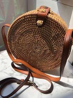 🚚 Handmade Straw Round Bag