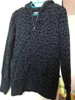 二手 izzue 女裝黑色豹紋外套 (9成新 包順豐)