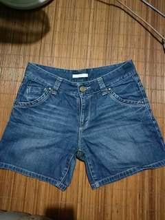 Celana pendek wanita(hotpants)