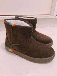 深啡毛毛保暖雪靴