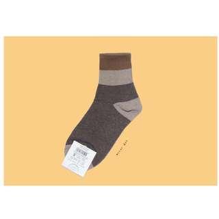 。error dot。韓國製焦糖布朗尼幕斯杯層塊襪子