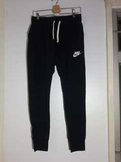 Nike Trapped jogger pants