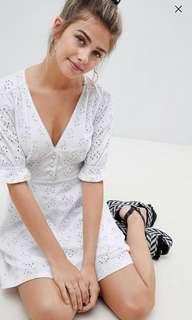 🚚 ASOS Broderie button Tea Dress