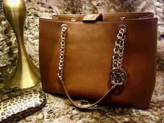 Authentic Michael Kors Susannah LG Saffiano