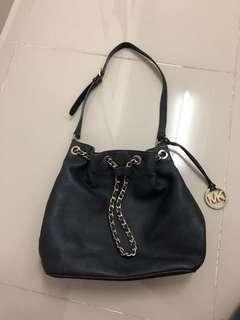 Michael kors sling bag authentic