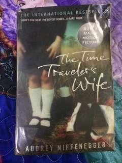 Preloved book: The travelers wife