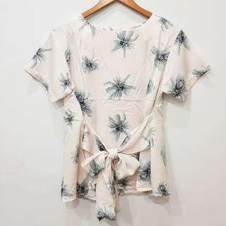 Flora bow front top