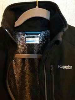 Columbia omni-heat titanium jacket.  Size M.  胸圍38 寸。  褸長24.5寸。  購自專門店。  100%真。  95%新。
