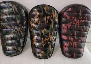 Chris Camo red line seat (Fiido/ Dyu/ Am Tempo/ Chris Logo)