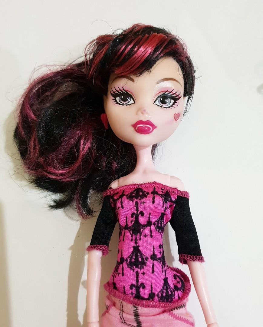 2 Barbie Monster High Mattel Authentic Asli
