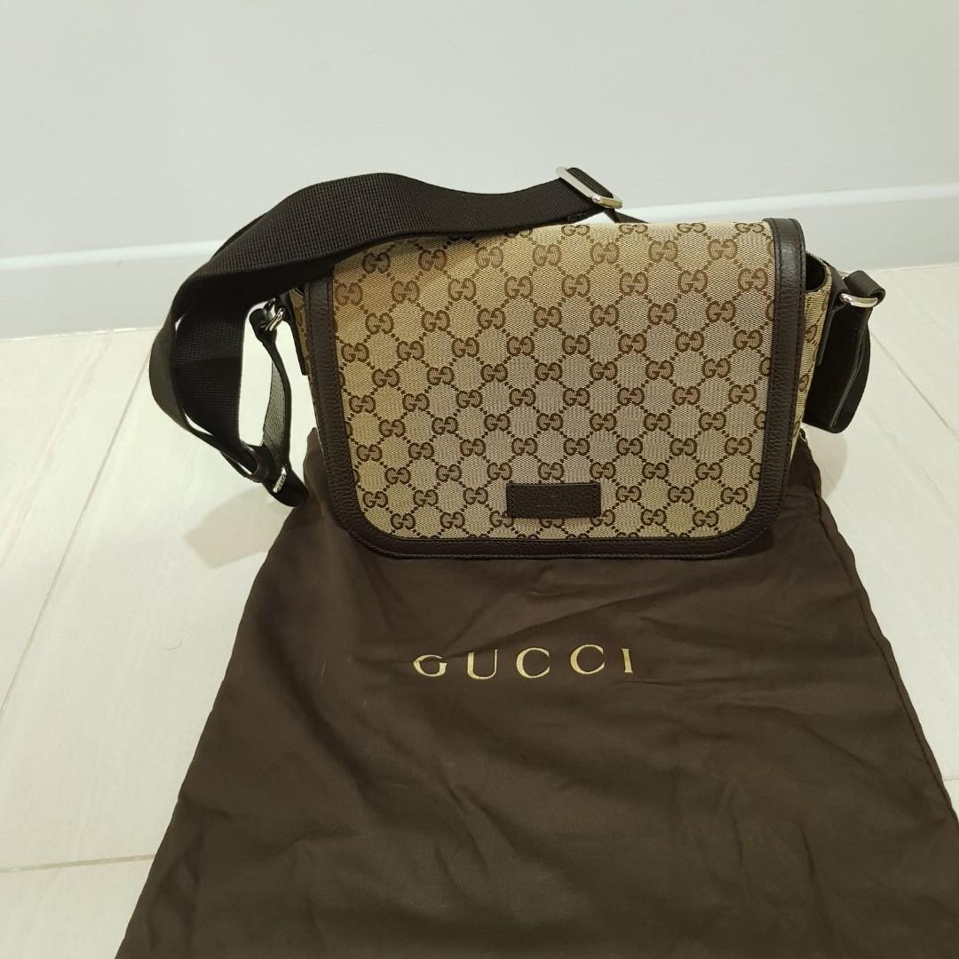2b1a28f0f6e Gucci body messenger bag