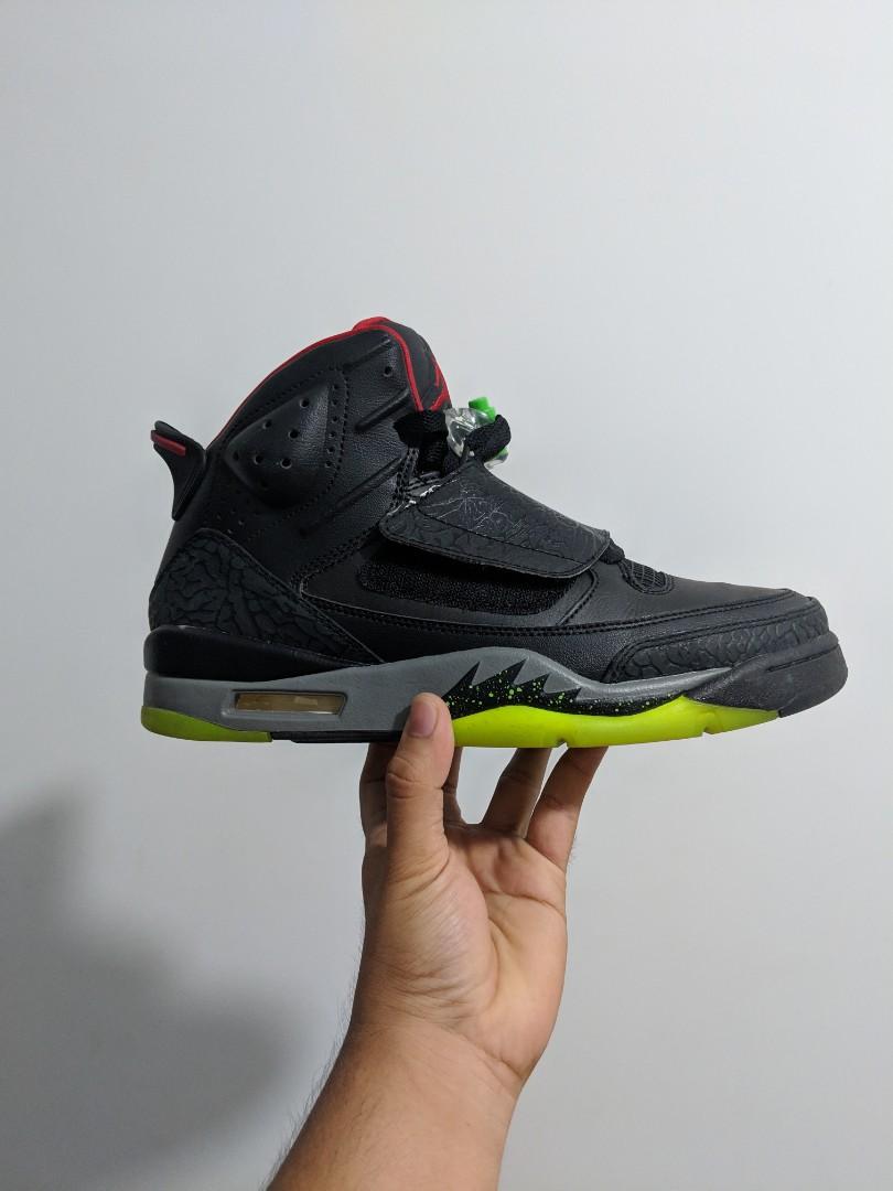 4a24785faba Jordans Son of Mars, Men's Fashion, Footwear, Sneakers on Carousell