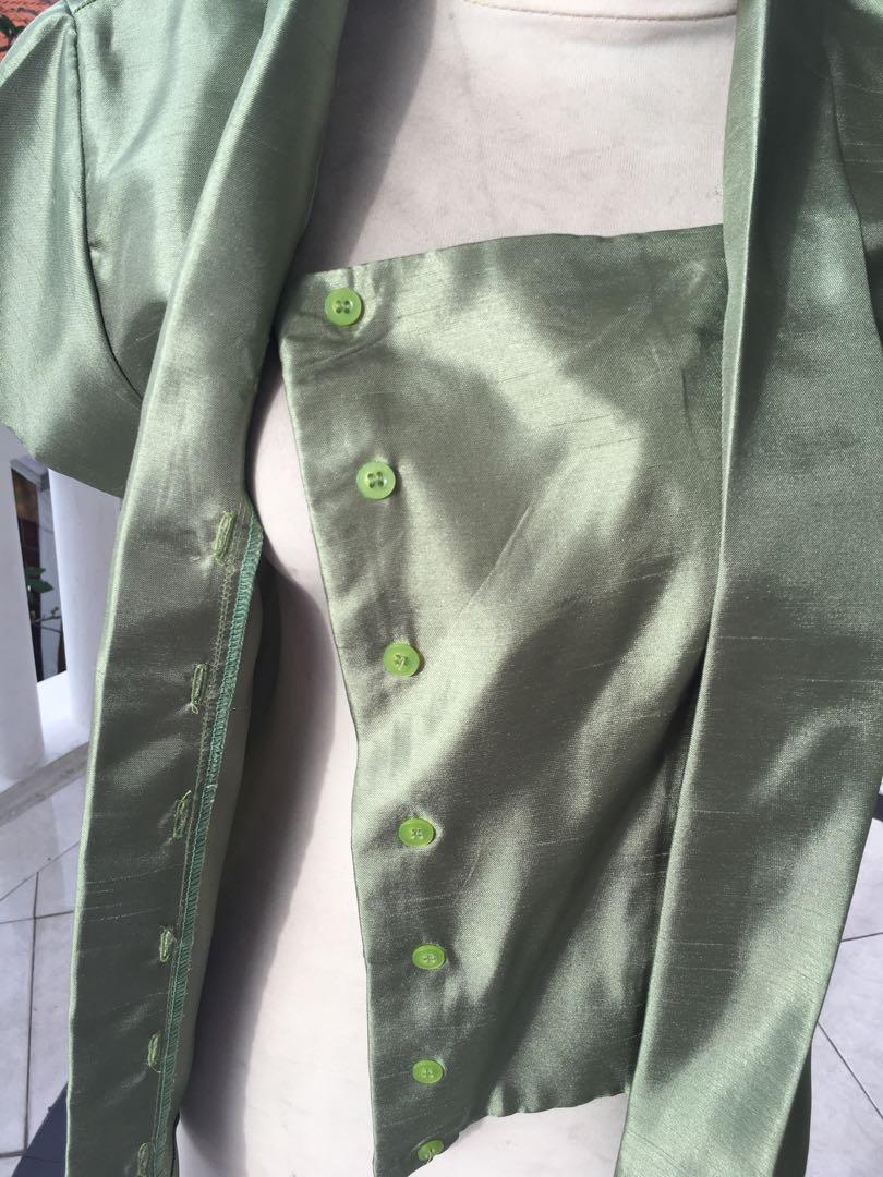 Kebaya kutu baru hijau