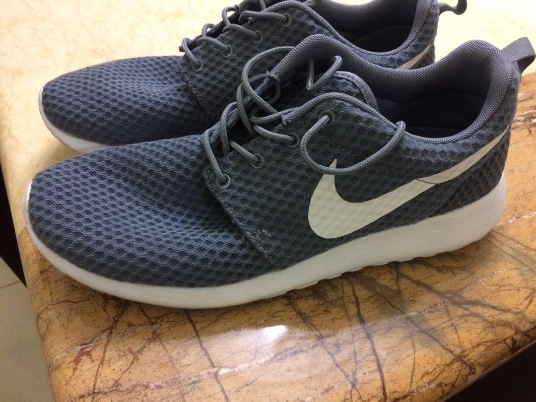 Nike Roshe Run OG, Men's Fashion, Footwear on Carousell