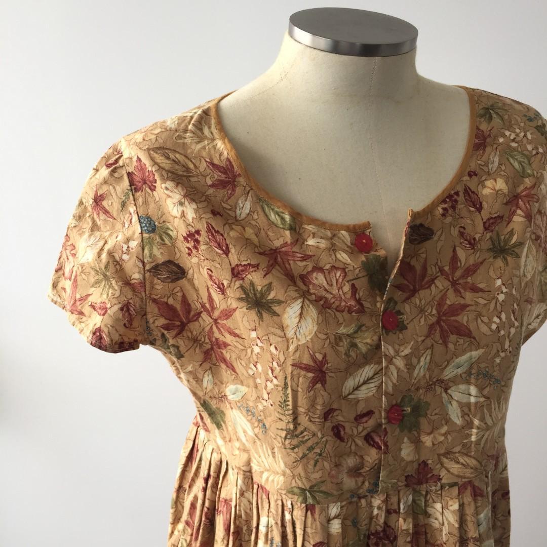 RETRO FOILAGE BROWN BABYDOLL DRESS
