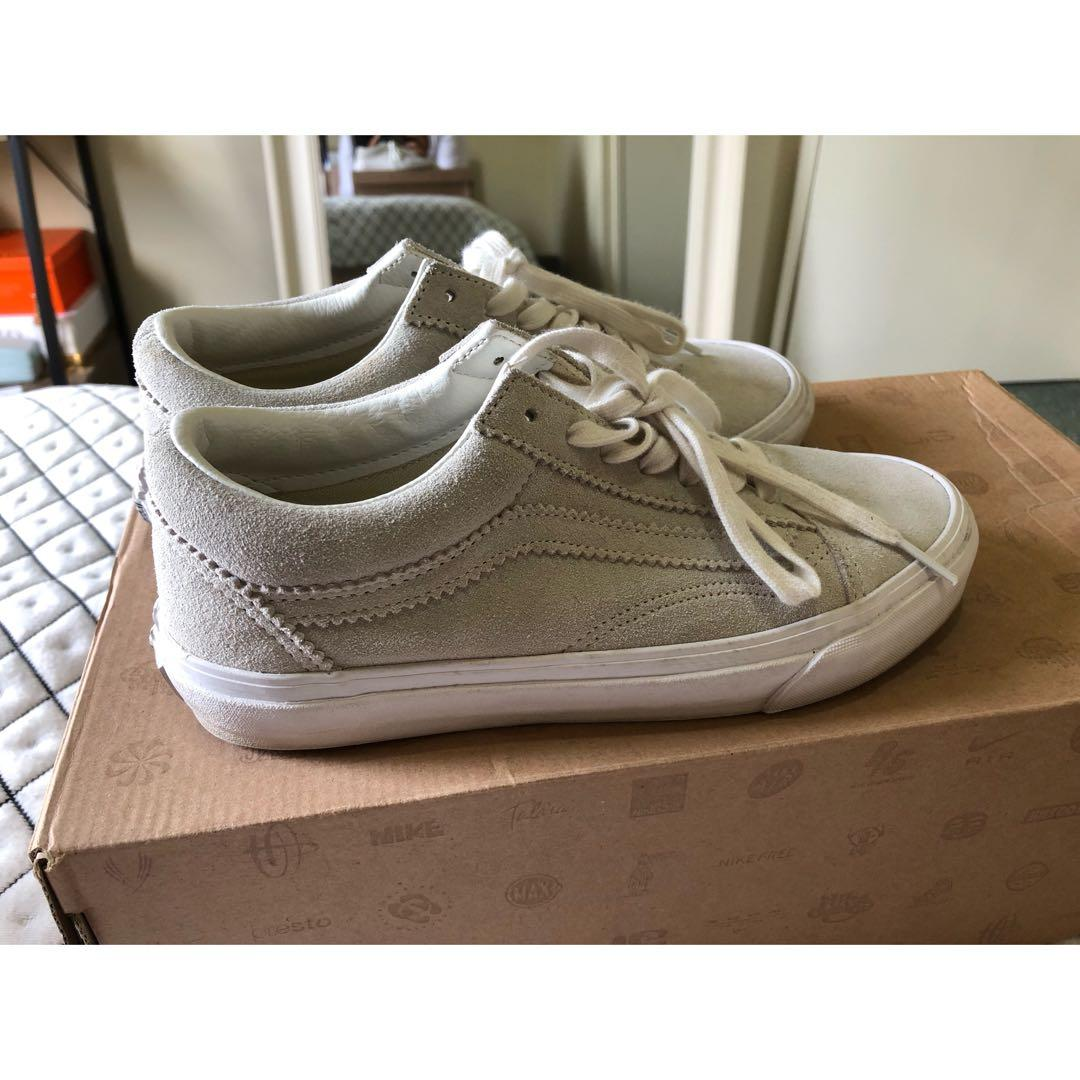 "SIZE 7.5 - VANS ""Old Skool Shoes"" in suede ivory"