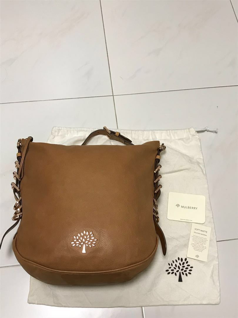 0010ca85bb  SOLD  Authentic Mulberry camel brown leather handbag with rosegold  hardware. Pre-loved. Good condition.