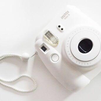 White Polaroid + case + 10x film